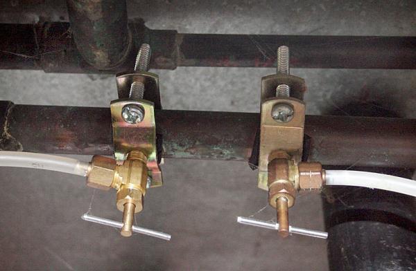 Name:  saddle-valve.jpg Views: 2204 Size:  33.8 KB