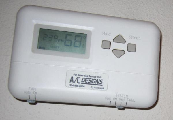 Name:  AC Thermostat Closeup.jpg Views: 296 Size:  20.6 KB