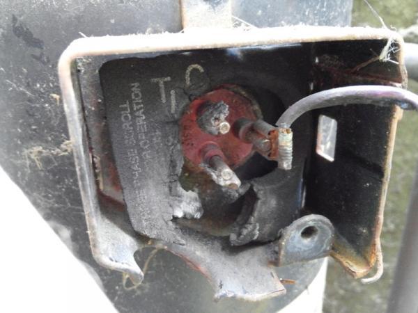 Name:  compressor terminal damage.jpg Views: 1907 Size:  38.1 KB