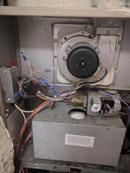 inside ac unit fan does not turn on  outside unit working
