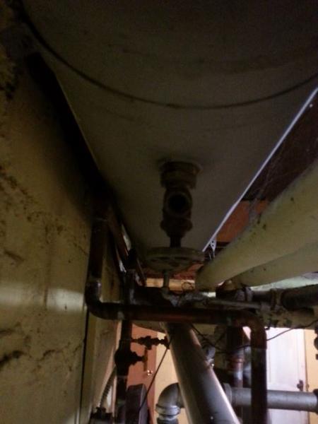 Name:  7-huge-tank-under-ceiling (480x640).jpg Views: 683 Size:  26.0 KB