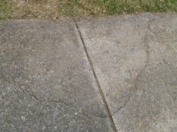 Sidewalk Crack Filler : Diy sidewalk driveway crack repair doityourself