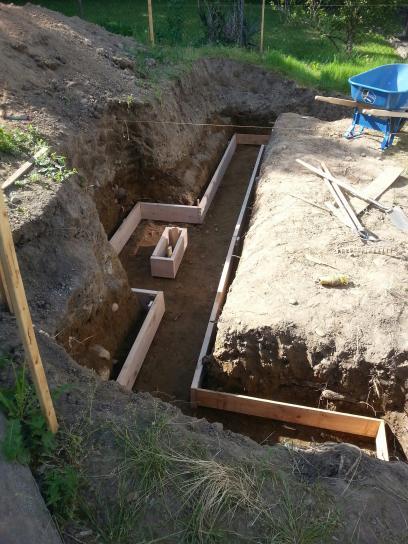 Concrete masonry retaining wall DoItYourselfcom