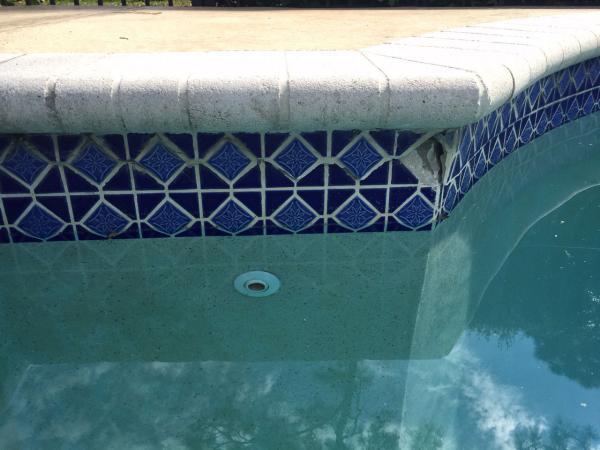 Name:  pool-crack-1.jpg Views: 861 Size:  38.1 KB
