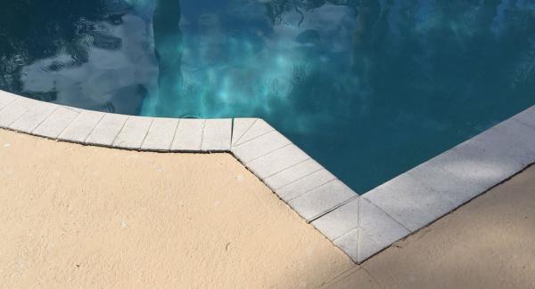 Name:  pool-crack-3.jpg Views: 814 Size:  21.3 KB