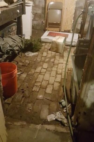 brick basement floor community forums. Black Bedroom Furniture Sets. Home Design Ideas