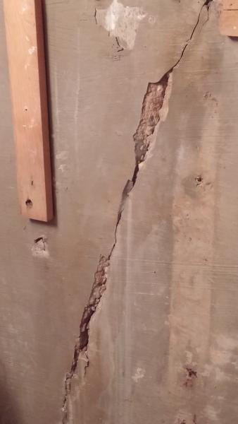 Foundation Wall Crack Repair Basement Interior
