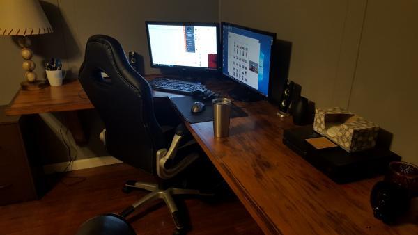 Long Floating L Shaped Desk Doityourself Com Community
