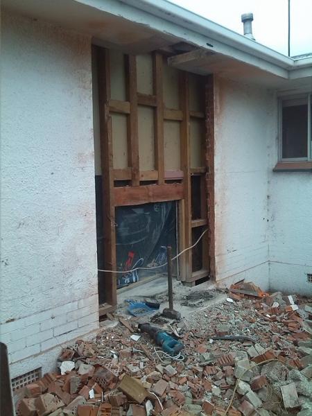 Exterior patio door installed without header, jack or king stud ...