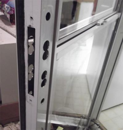 Name:  Holes for the Handles Door itself.jpg