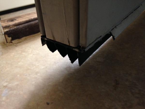 Finding door fin sweep for exterior door hvacmary for Exterior door sweep replacement