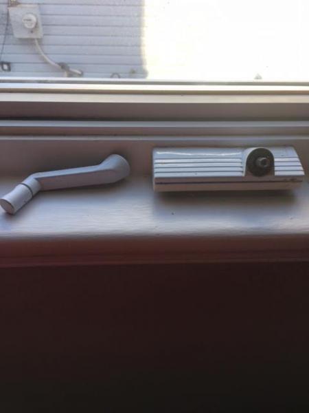 Name:  window crank.jpg Views: 172 Size:  19.0 KB