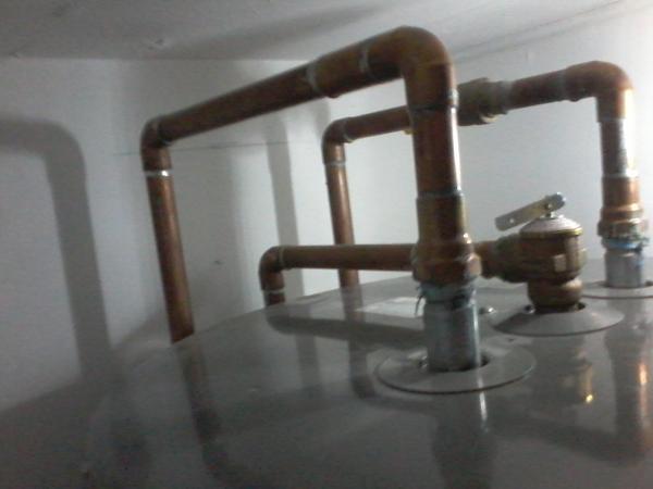 Name:  hot water tank 1.jpg Views: 137 Size:  23.0 KB
