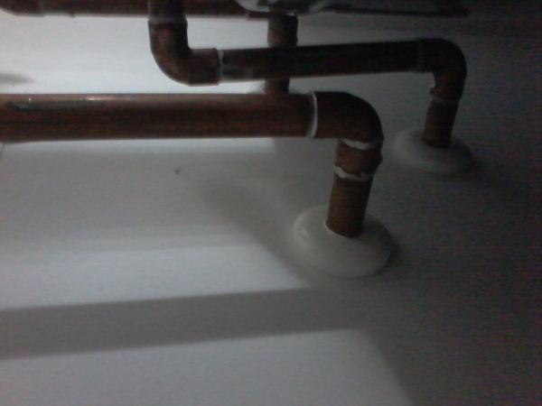 Name:  hot water tank 2.jpg Views: 156 Size:  18.6 KB