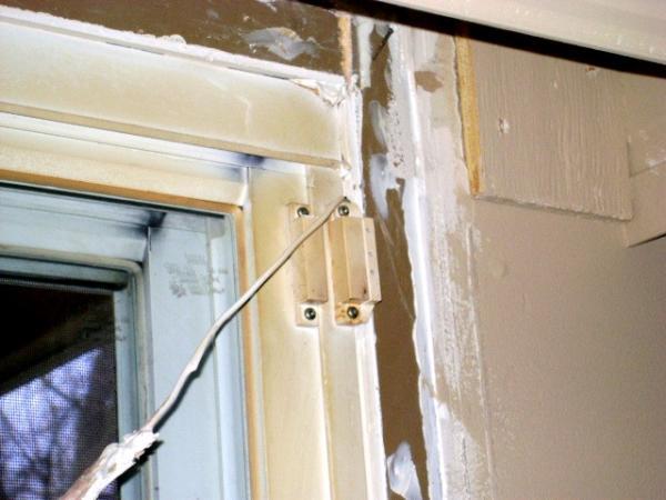 Door Contacts & Door Contacts - DoItYourself.com Community Forums