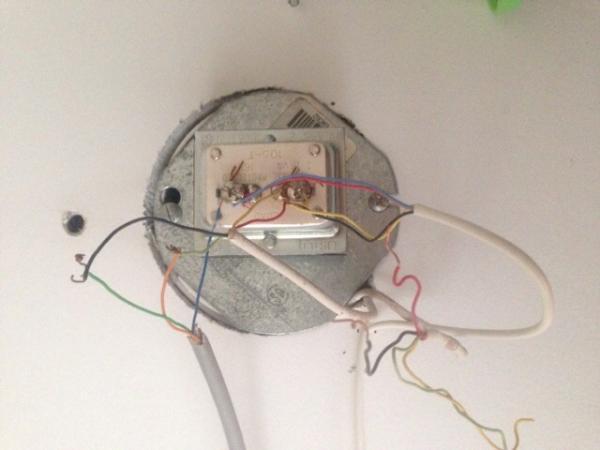 wiring problem on adt safe watch pro 3000en doityourself. Black Bedroom Furniture Sets. Home Design Ideas