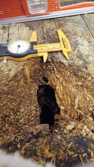Name:  Hole-in-bathroom-floor.jpg Views: 412 Size:  50.1 KB