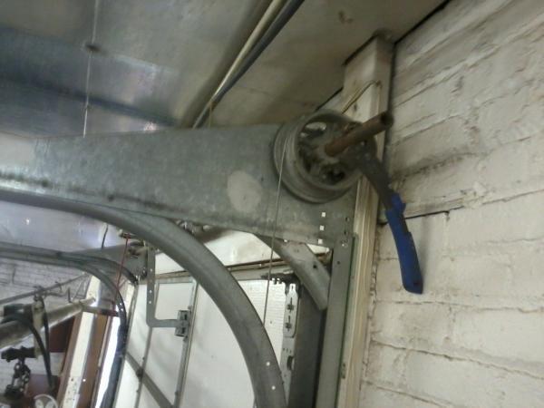 garage door drumCable drums clockwise not counterclockwise  DoItYourselfcom