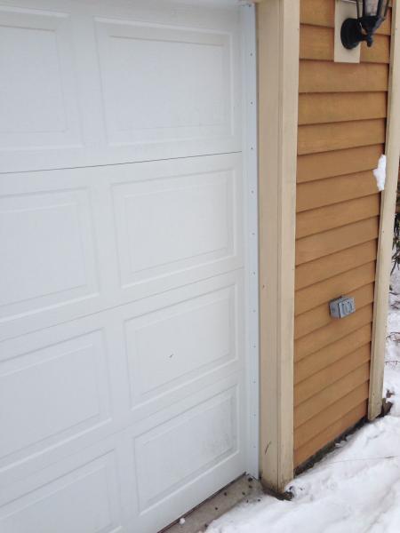Name:  GarageDoor01.jpg Views: 3145 Size:  21.8 KB