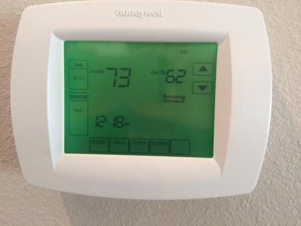 55325d1440870576 janitrol hpt 18 60 honeywell th8320u1008 3 janitrol hpt 18 60 to honeywell th8320u1008 doityourself com janitrol hpt18 60 thermostat wiring diagram at bayanpartner.co