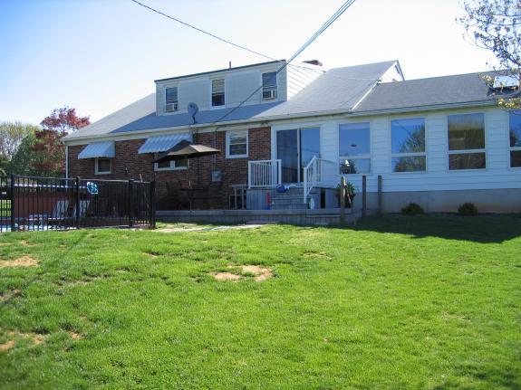 Name:  House Back.jpg Views: 953 Size:  49.1 KB