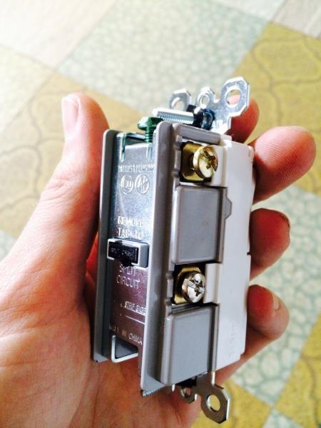 Change Light Switch To Light Switch Plug Combo Doityourself Com Community Forums