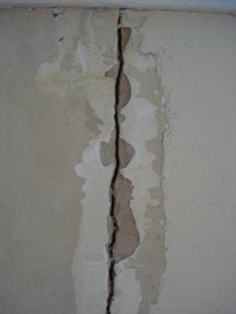Repairing A Plaster Wall Crack Crewgett