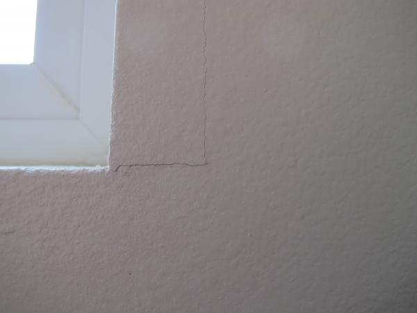 Window 2 help with drywall repair cracks around for Drywall around windows