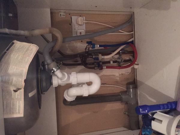 Kitchen sink draining problem (air lock?) - DoItYourself.com ...