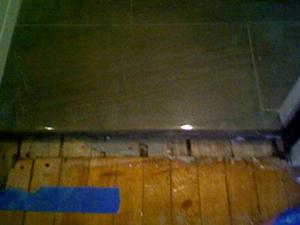Tile Threshold On Hardwood Flooring Doityourself Com