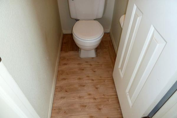 Vinyl Tiles In Bathroom Need Plywood Or Direct On Subfloor - Plywood for bathroom subfloor
