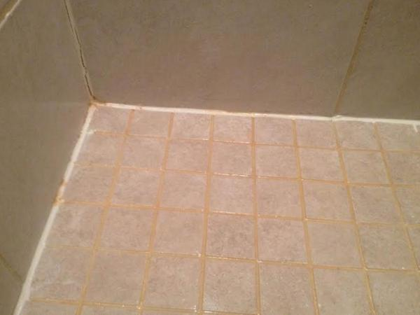 Rust Coloring In Shower Tile Grout Doityourself Com