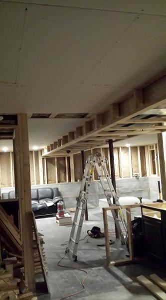 Run Ceiling Drywall Parallel Or